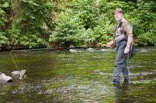 In der Bode kann man Fliegenfischen mit gültigem Angelschein. Es gibt in Altenbrak auch die Möglichkeit in der Forellenzucht an einem Teich zu angeln oder geräucherte Forellen zu kaufen.