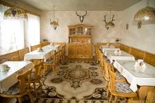 Der Frühstücksraum der Pension- gäste der Ferienwohnung können das Frühstück dazu buchen oder einen Brötchenservice in Anspruch nehmen.