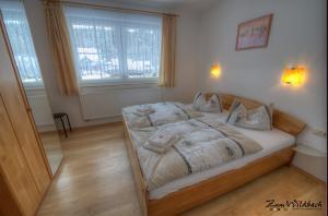 Schlafzimmer der Ferienwohnung Kirchblick