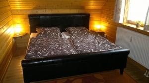 Gemütlich und komfortabel eingerichtetes Doppelbettzimmer