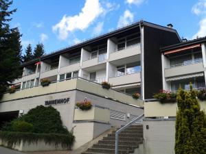 In unserer kleinen Ferienanlage Tannenhof werden Sie wunderschöne Urlaubstage verbringen.
