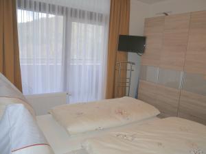 2.Zugang zum Balkon und 2.TV im Schlafzimmer